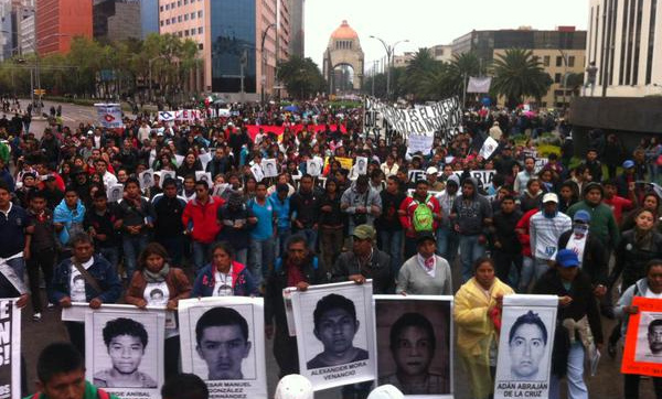 Outrage in Mexico as president loses patience with protesters, warns against destabilizing / Peña Nieto pierde la paciencia